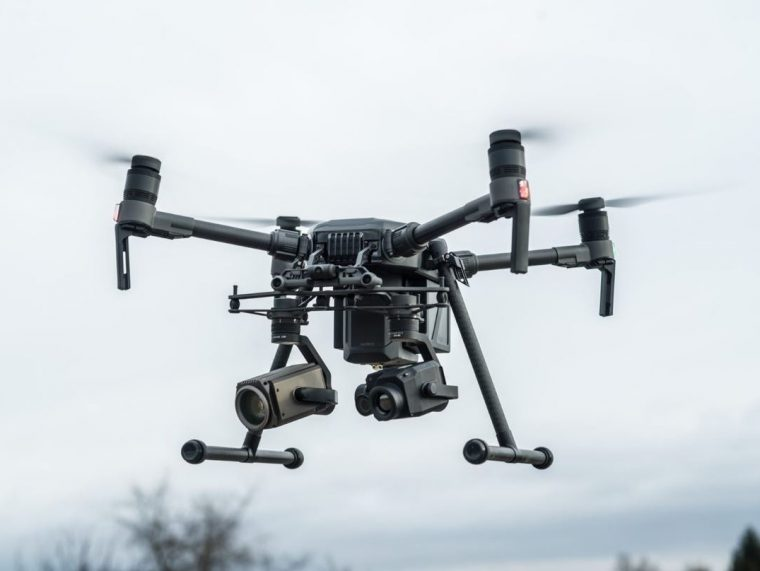 Dron s kamerou a GPS, DJI Matrice 210